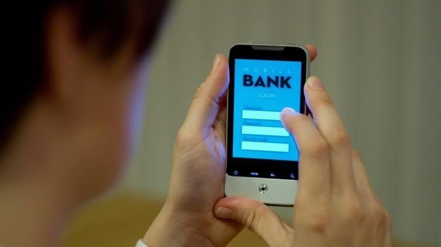 Digital challenger banks stockpile cash at record rate
